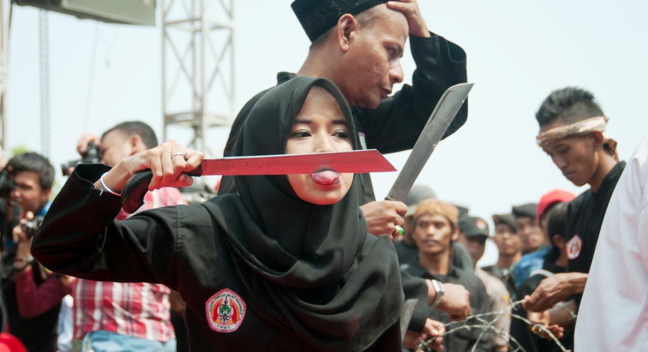 Debus: Dari Atraksi Ekstrem dari Banten - Tapak.id